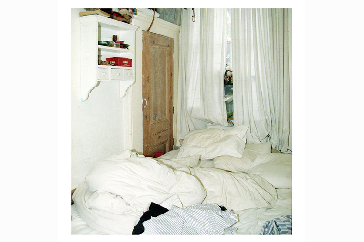 photographic research in a abandoned household interiors 09 by Debora Marcati